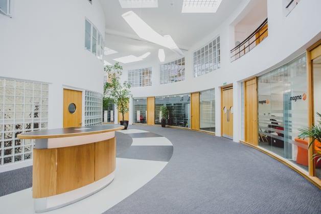Orega-Gatwick-Atrium (1)