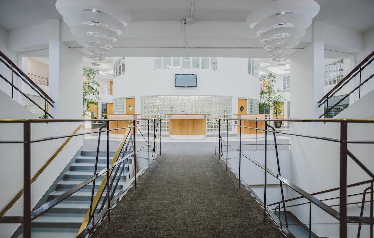Orega-Gatwick-Entrance-1