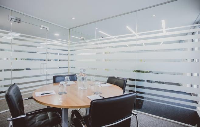 Orega-Gatwick-Meeting-Room
