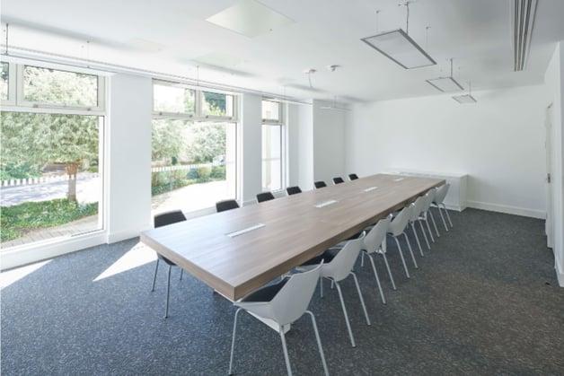 Orega-Slough-Switch-Meeting-Room-1