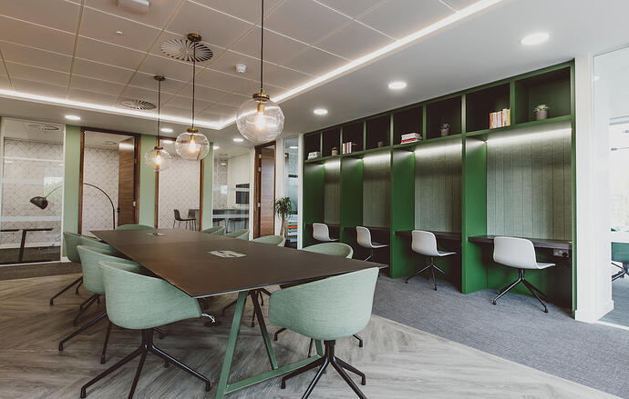 Orega-Stockley-Park-Business-Lounge1-website-1258x800