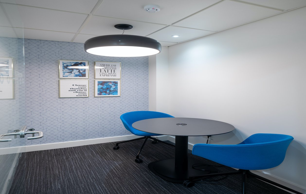 Orega Serviced Offices Glasgow St Vincent Street small meeting room (no people)-website-1258x800-3