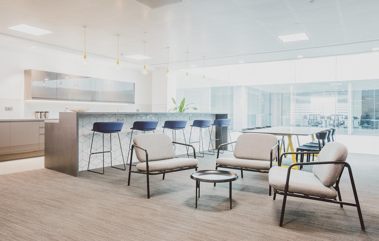 Orega-Serviced-Offices-Uxbridge-Lounge-website-1258x800